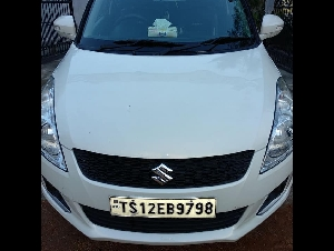 Good condition Swift VDI car 2015 model argent sale price 150000 contact/7055183349